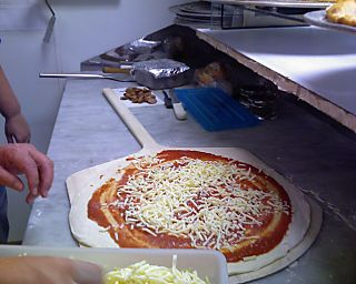 Val & Yak - pizza making #4 092108