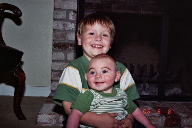 Kevin_and_joshua_june_2006